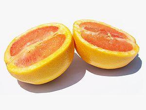 A sliced grapefruit (Citrus paradisi)