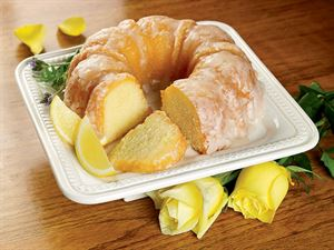 Yellow Rose Lemon Cake