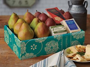 Deluxe Pear & Cheese Gift Box Coastal,Havarti & Touvelle