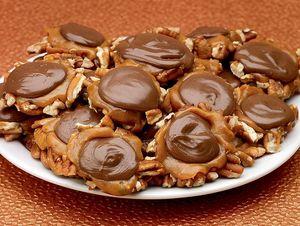 Chocolate Caramel Pecan Whoopies