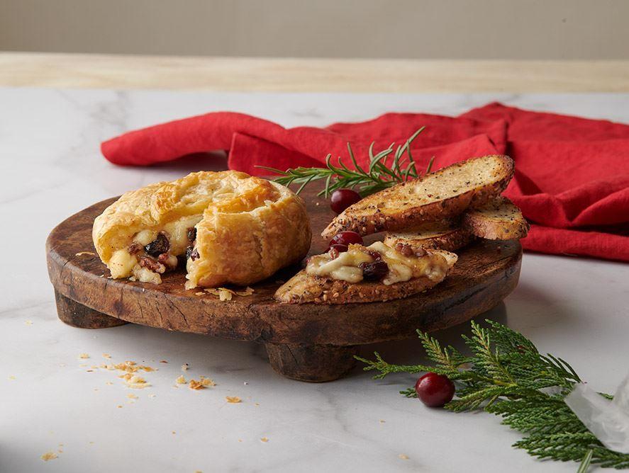 Cranberry & Pecan Brie En Croute