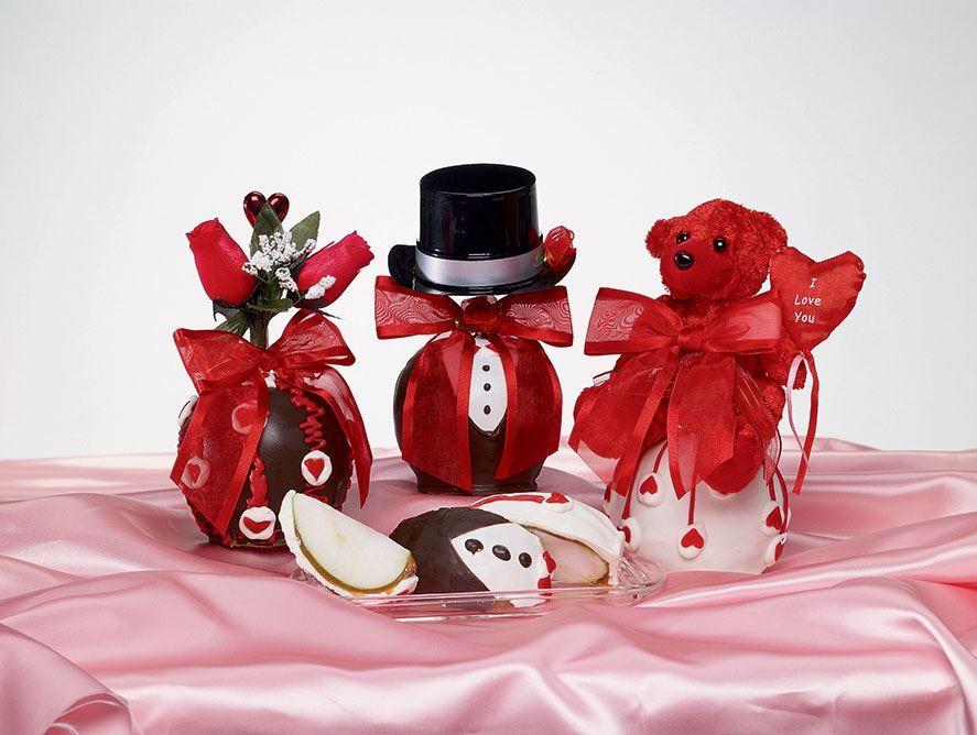 Valentine Caramel Apples